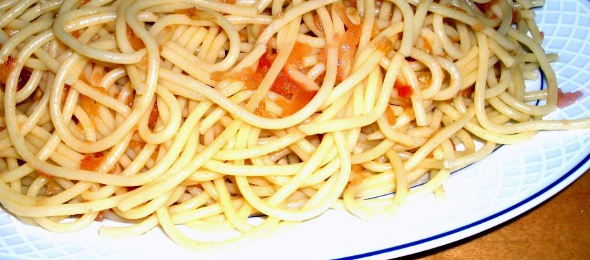 Espagueti al Burro con Tomate Natural
