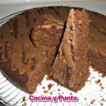 Pastel de Chocolate y Pan Tostado