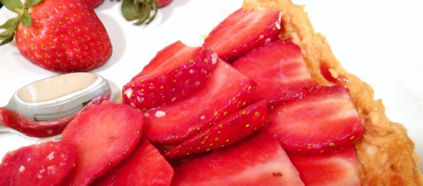 Tarta Suprema de Fresas con Crema de Almendras